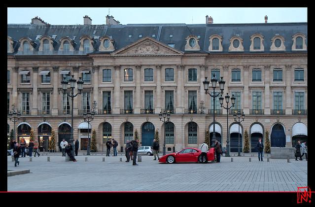 La Ferrari F40... première à l'arrivée Place Vendôme