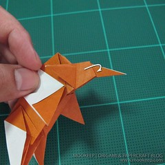วิธีพับกระดาษเป็นรูปหมี (Origami Bear) 036