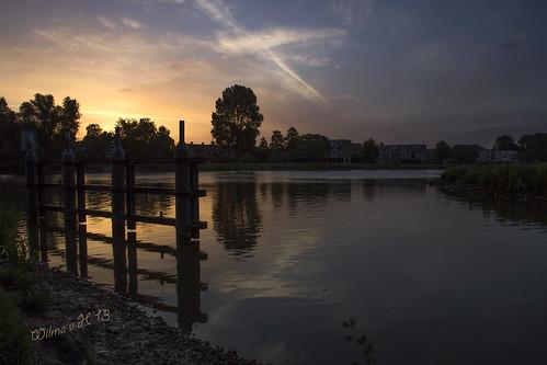 sunrise reflections dawn nederland thenetherlands rivers dordrecht sluice crackofdawn staart wantijdijk wantijdordrecht