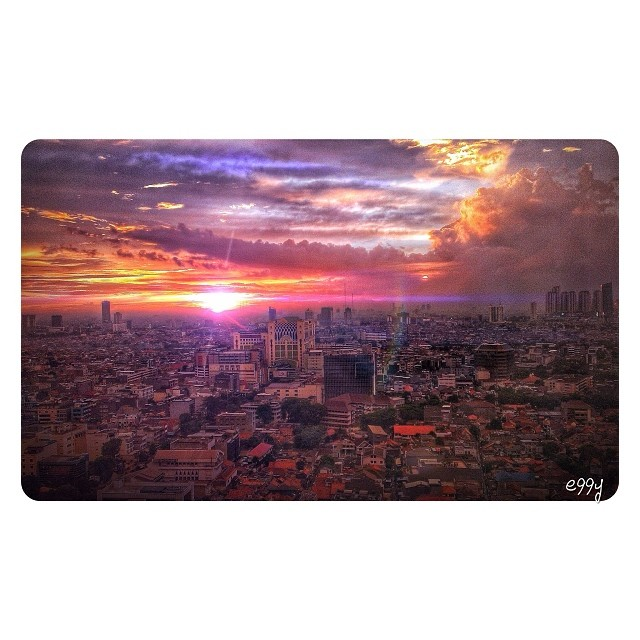 apocalypse.now #cityscape #sunset #jakarta #cloudporn #instago #instagood #instamood #instadaily #instagramhub #momentalist #webstagram #iphonesia #igers #igdaily