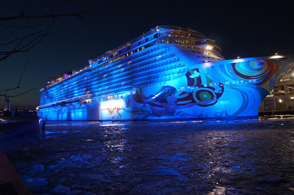 030/365 Bud Light Hotel/Norweigian Getaway During Super Bo