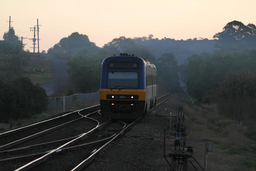 CityRail/NSW Trainlink Endeavour Approaching Douglas Park by SydNSWTrains