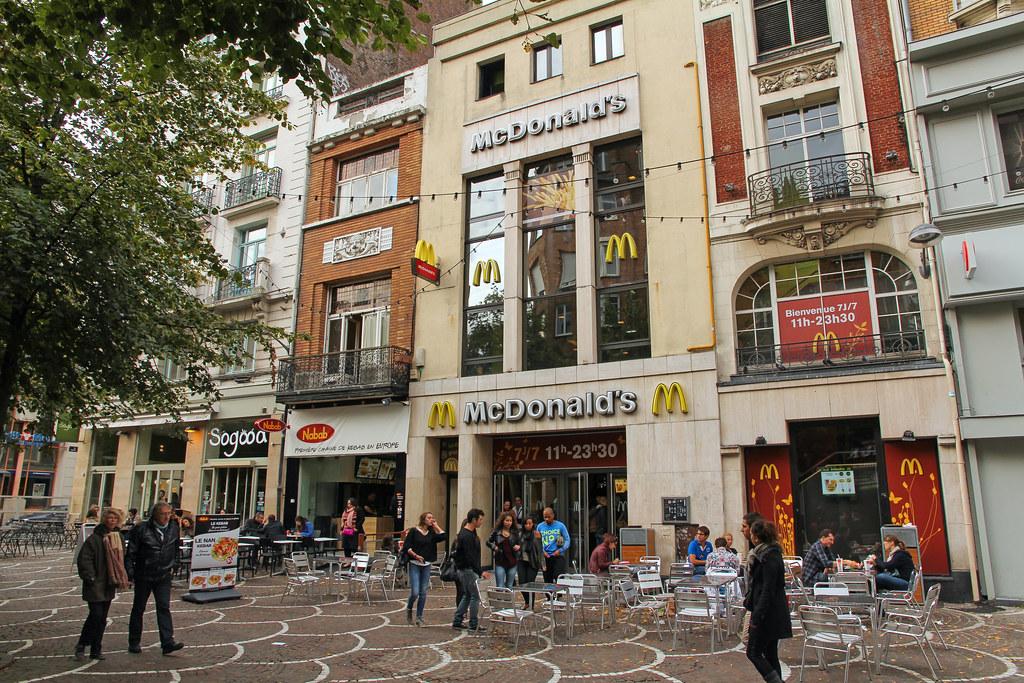 Mcdonalds Lille Place De Béthune France One Of The 6 Mc