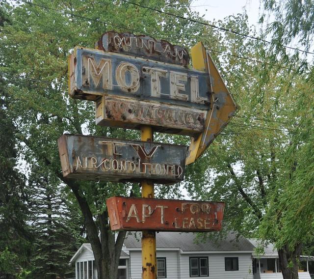 Quinlan Motel