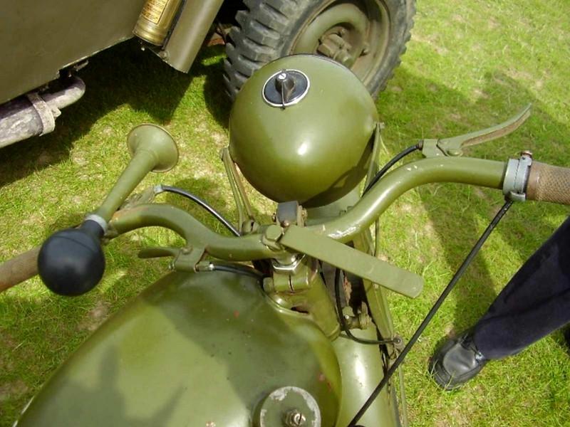 Royal Enfield-Moottoripyörän (7)