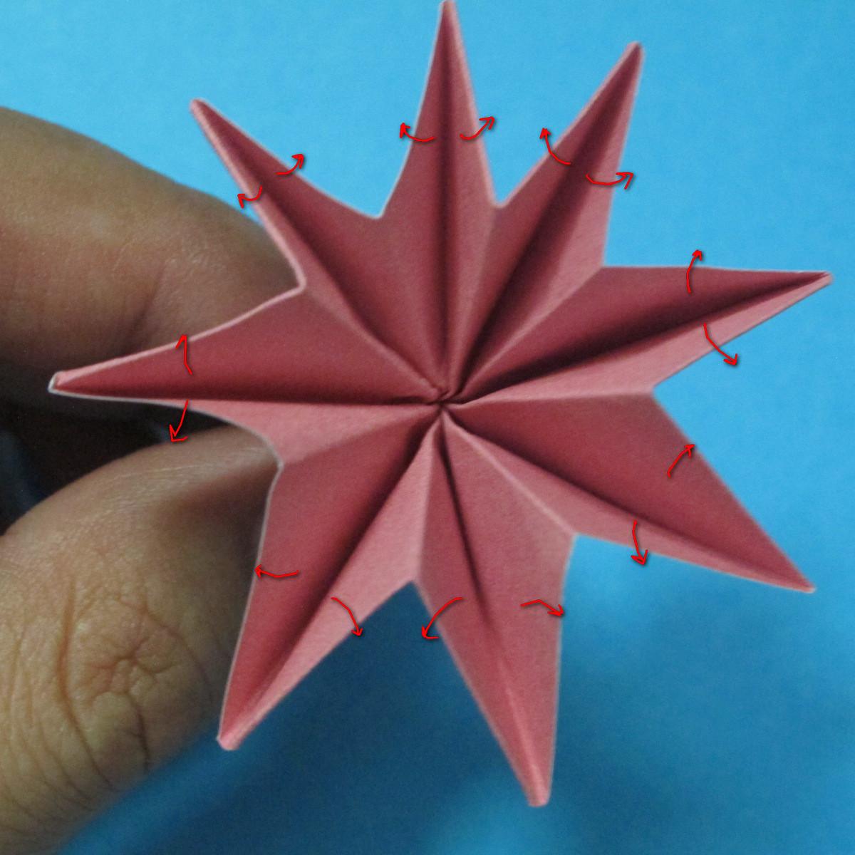 วิธีการพับกระดาษเป็นดอกไม้แปดกลีบ 018