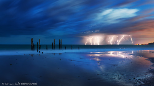 seascape storm beach landscape photography jetty lightning southaustralia fleurieupeninsula everlook portwillunga dawndee