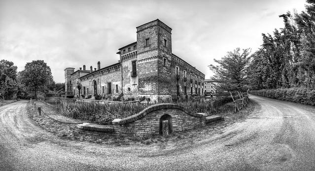 Castello di Padernello (Padernello Castle)