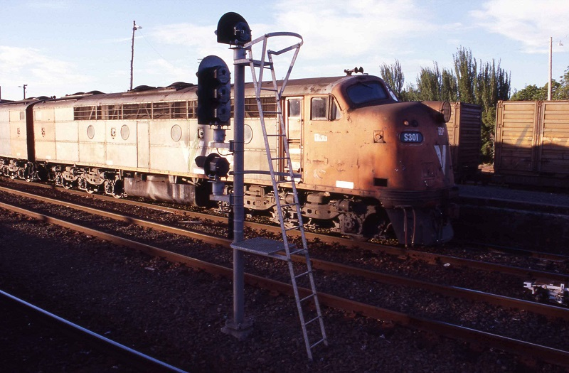Last days of S301 in V/Line by David Arnold