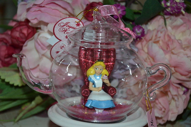Ornament Tea-pot Alice Drink Me