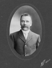 Charles Lipson, 1906