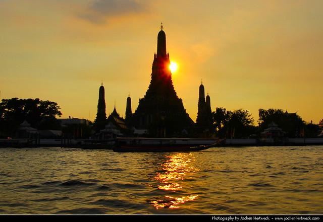 Wat Arun @ Sunset, Bangkok, Thailand