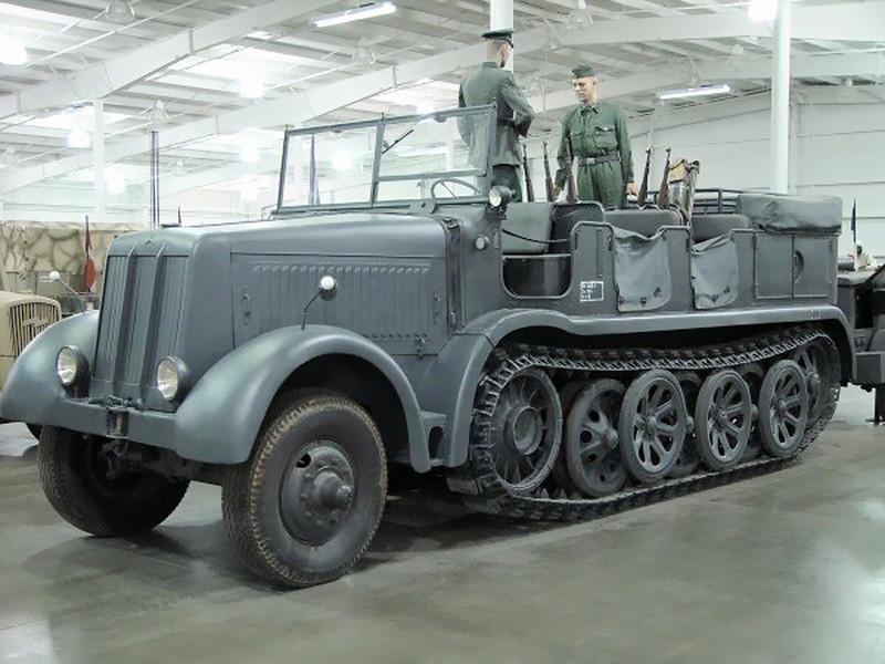 SdKfz 8 12 Ton (1)