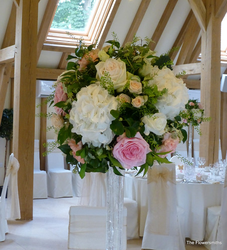 Wedding Flowers Kent: Wedding Table Flowers At The Old Kent Barn