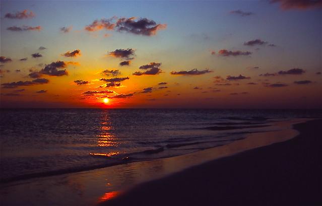 Maldivian sunset - Ihuru - Maldives 1988 (Time Travel) Ektachrome 64 scanned
