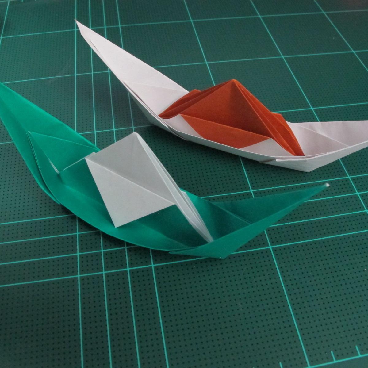 การพับกระดาษเป็นรูปเรือมังกร (Origami Dragon Boat) 026