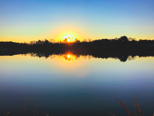 screen sunrise lake reflection double tribble mill park atlanta skyporn