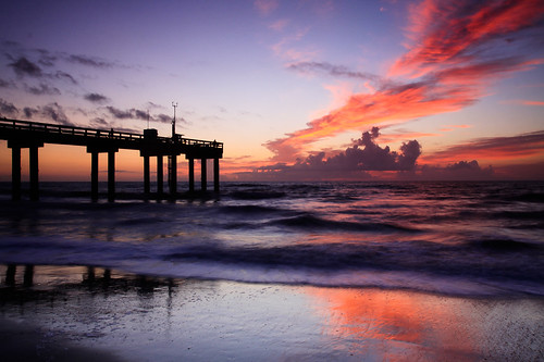 ocean water silhouette clouds sunrise reflections pier sand surf day waves florida cloudy atlanticocean staugustine stjohnspier dpssunset