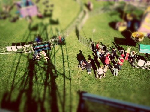carnival perspective fair pointofview tiltshift milancommunityfair2014