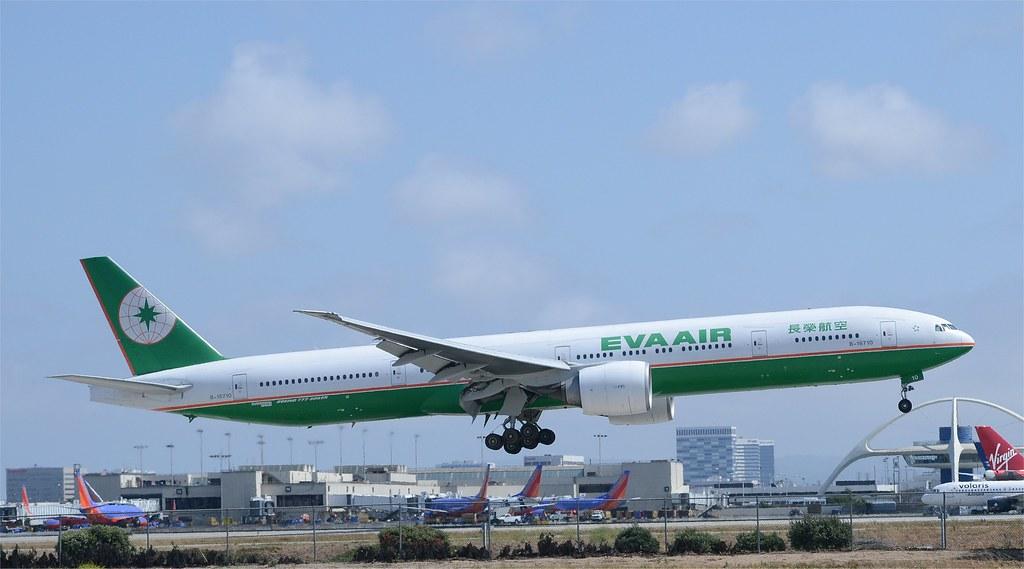db20ee155 EVA Air 777-300 (B-16710) LAX Landing   EVA Air 777-300 (B-1…   Flickr
