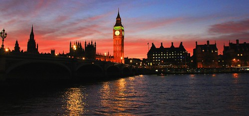 nightphotography london westminster reflections unitedkingdom bigben pinksky riverthames westminsterbridge bigbenatsunset sunsetcolors warmcolours romanticlondon sunsetinlondon romanticevenings bigbenclock romanticatmosphere lawlightphotography atmosphericnightshots westminsterbridgeatsunset londonmymuse