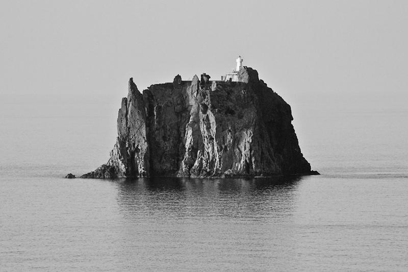 STROMBOLI, TERRA DI DIO...   Stromboli (Struògnuli in sicili…   Flickr