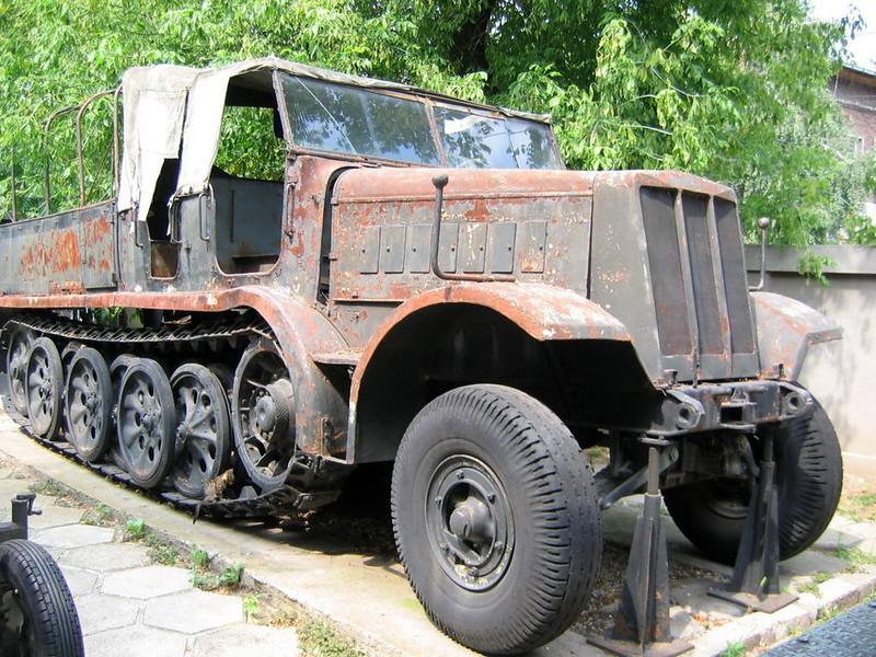 SdKfz 9 (6)