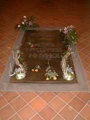 JS Bach grave with orbs (1)