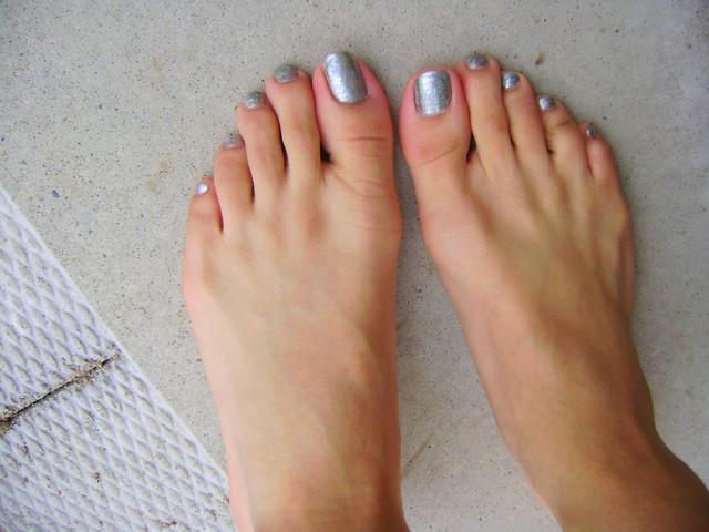 Pretty Feet in Silver Polish
