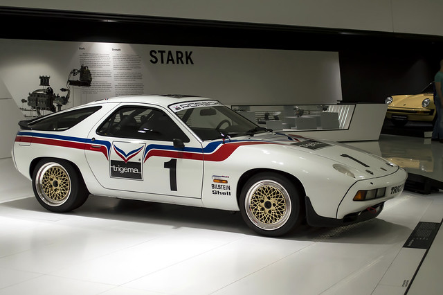 Porsche 928 S Trigema