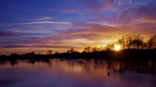 winter light sun water river shropshire severn shrewsbury february floods 2014