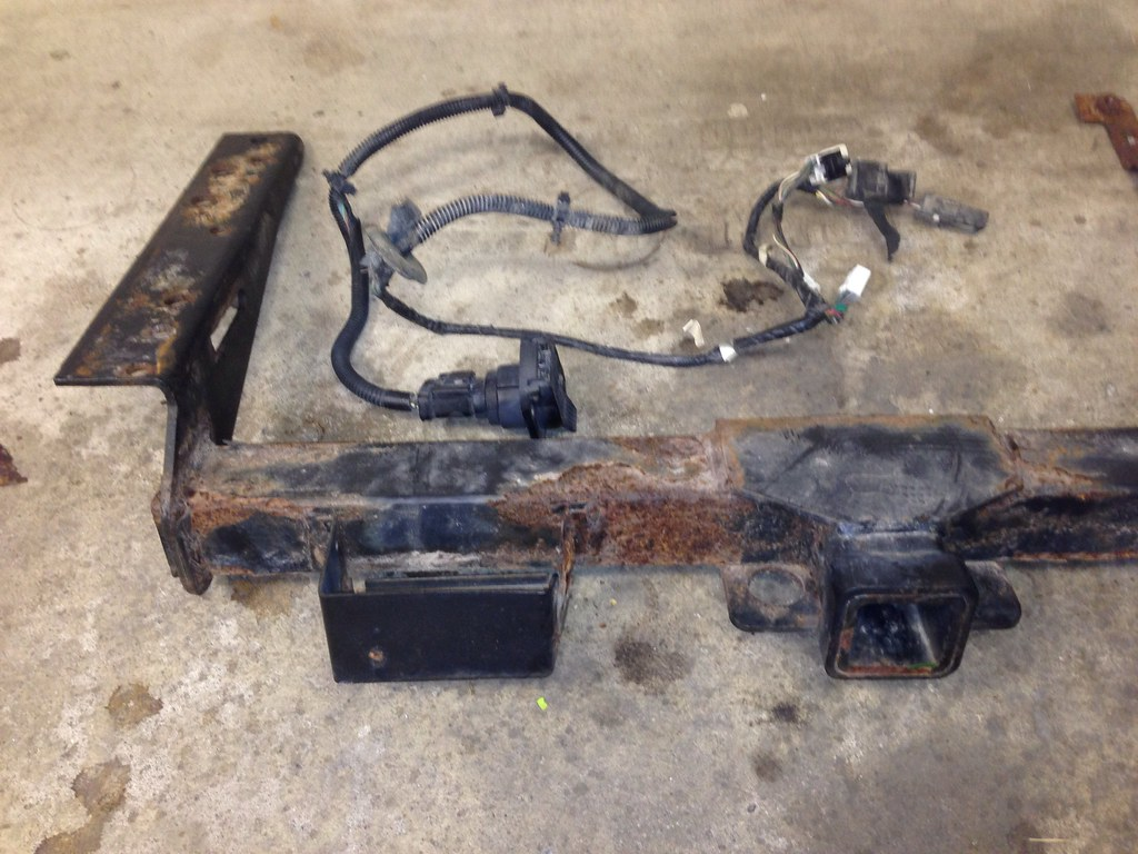 2001 jeep cherokee factory trailer wiring harness and hitch | by nomad55
