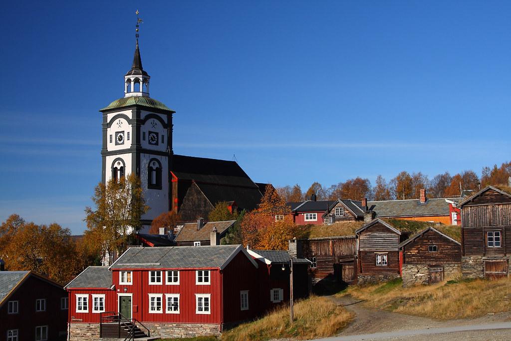 Røros church and town