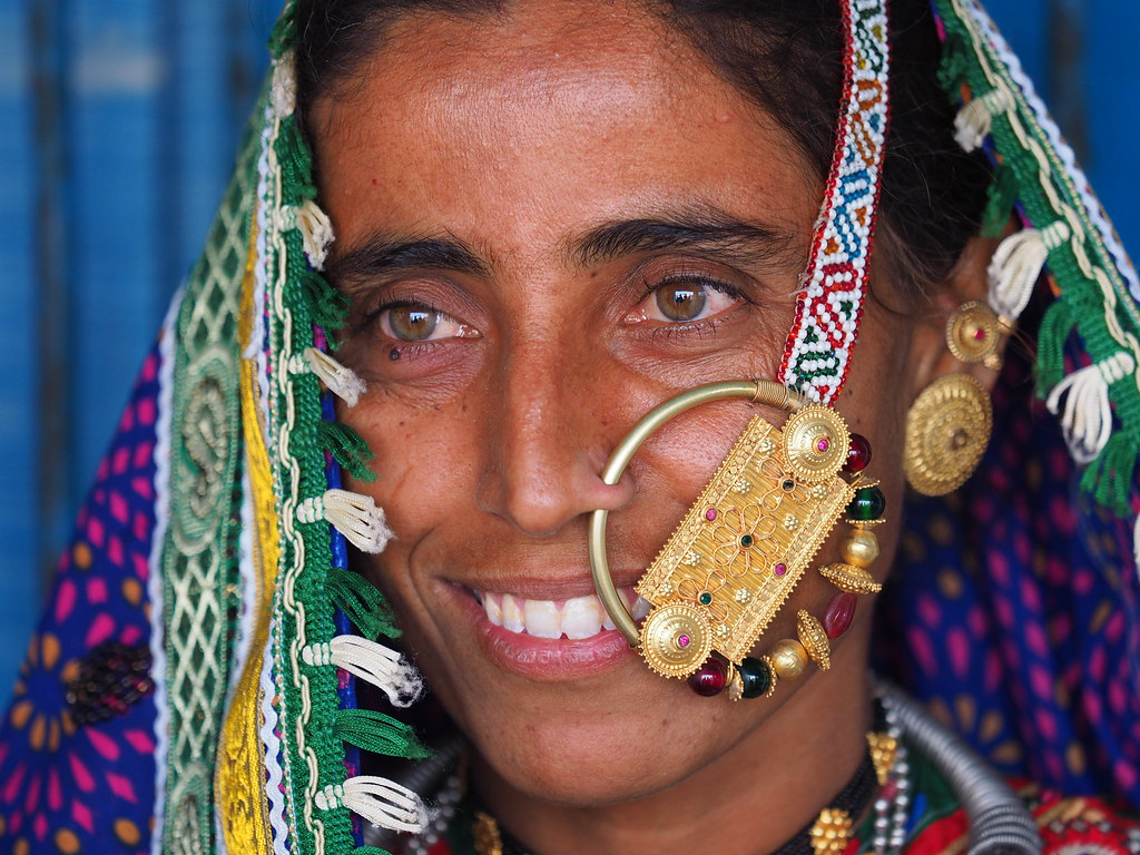 28 Year Old Meghwal Wearing The Velado A Heavy Nose Ring Flickr