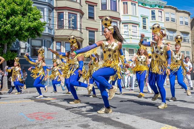 San Francisco Carnaval 2014: giftwrap swifts