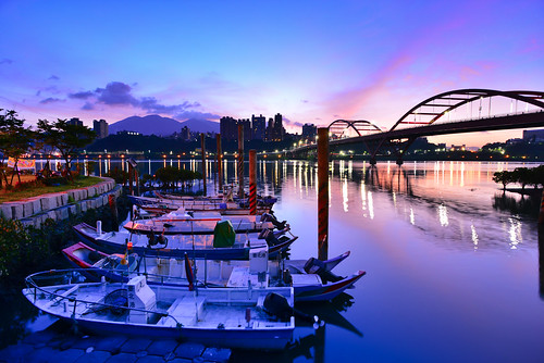 bridge blue sky bali clouds sunrise boat taiwan 台灣 redcloud 八里 日出 wugu 五股 關渡碼頭 關渡橋 guandubridge 紅雲 newtaipei 新北市 船泊 龍米路