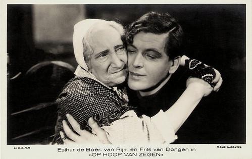 Esther de Boer-van Rijk and Frits van Dongen in Op Hoop van Zegen (1934)