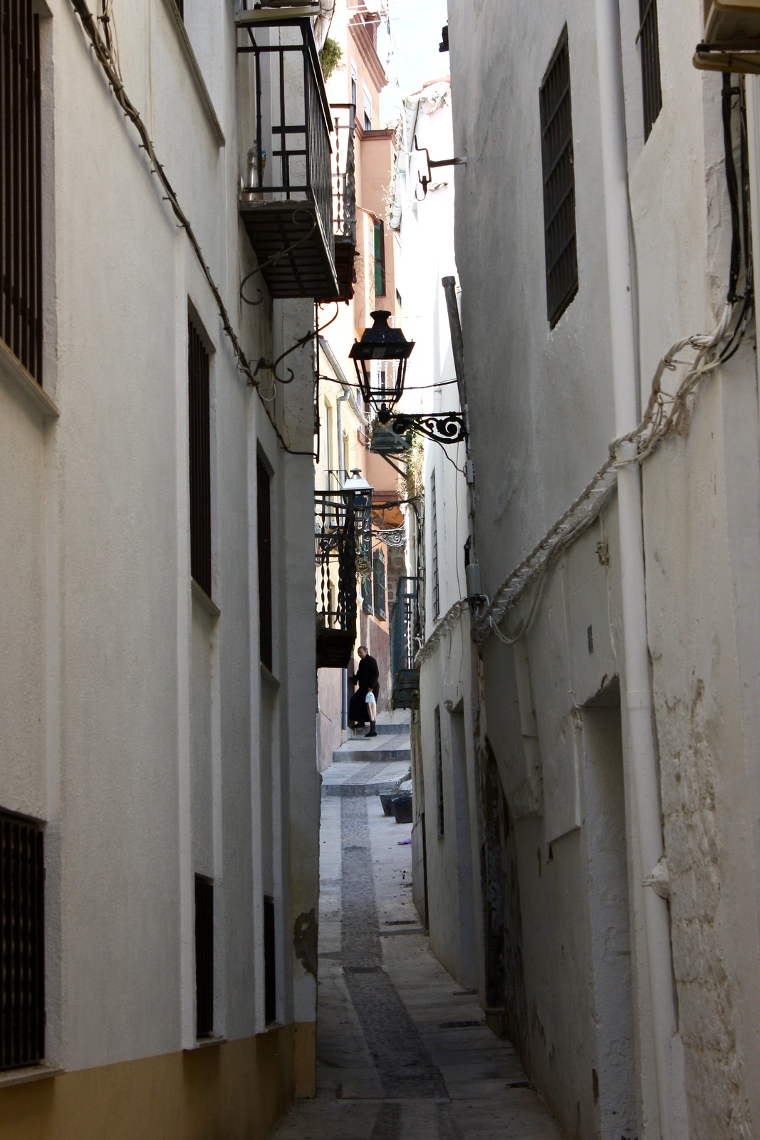 Narrow streets of the Jewish quarter of Jaén, Spain