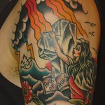 十字架にしがみつくマリアをデザインしたアメトラ・タトゥー  tattoo that virgin mary is holding cross