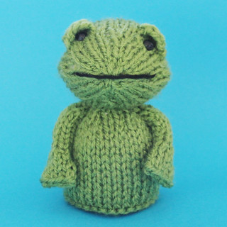 Knitted Frog Toy