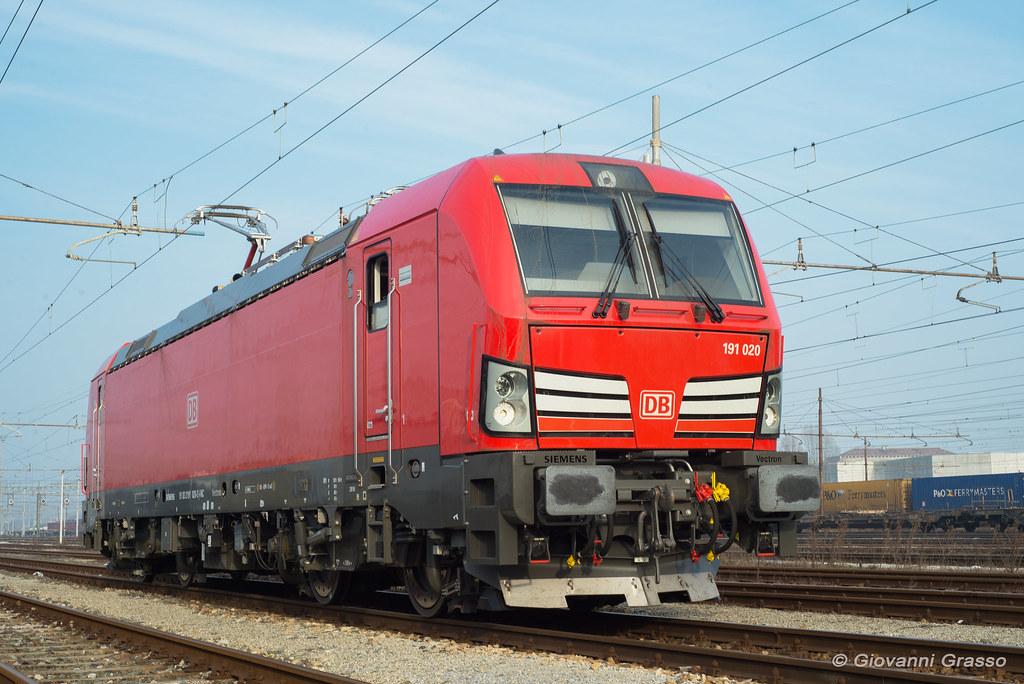 Db cargo italia giovanni grasso flickr for B b italia carugo