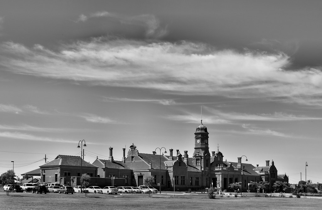 Maryborough Railway Station by phunnyfotos