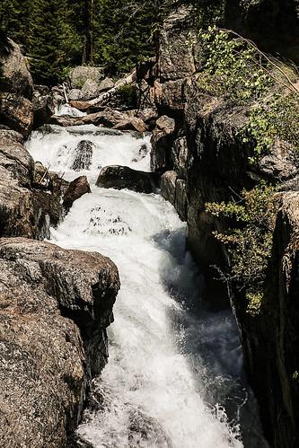 wyoming beartoothplateau beartoothhighway shoshonenationalforest geology granite canyoin waterfalls rapids chutewaterfall chute lakecreek lakecreekfalls wyojones np