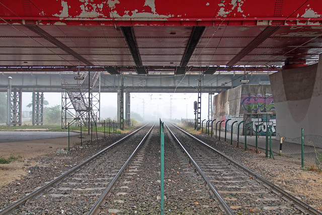 Budapest - fog at the HEV station under the Rakoczi bridge 3