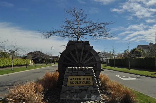 Beautiful Watermill Boulevard