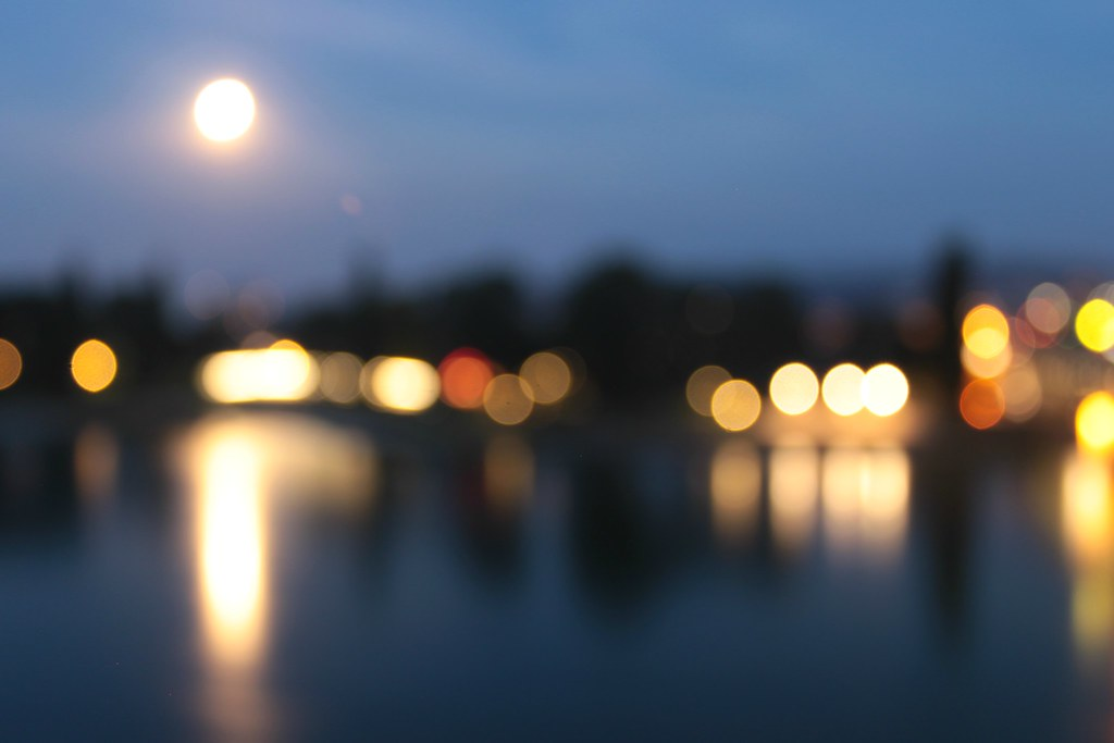 203/365 full moon bokeh (explored) | done for this week's th… | Flickr