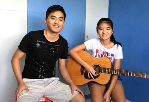 Guitar lessons Singapore Nicole