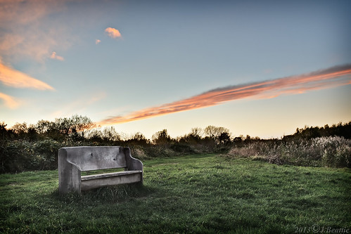 sunset color colour grass bench pew cambridgeshire hbm guidedbusway fendraytonlakes benchmonday