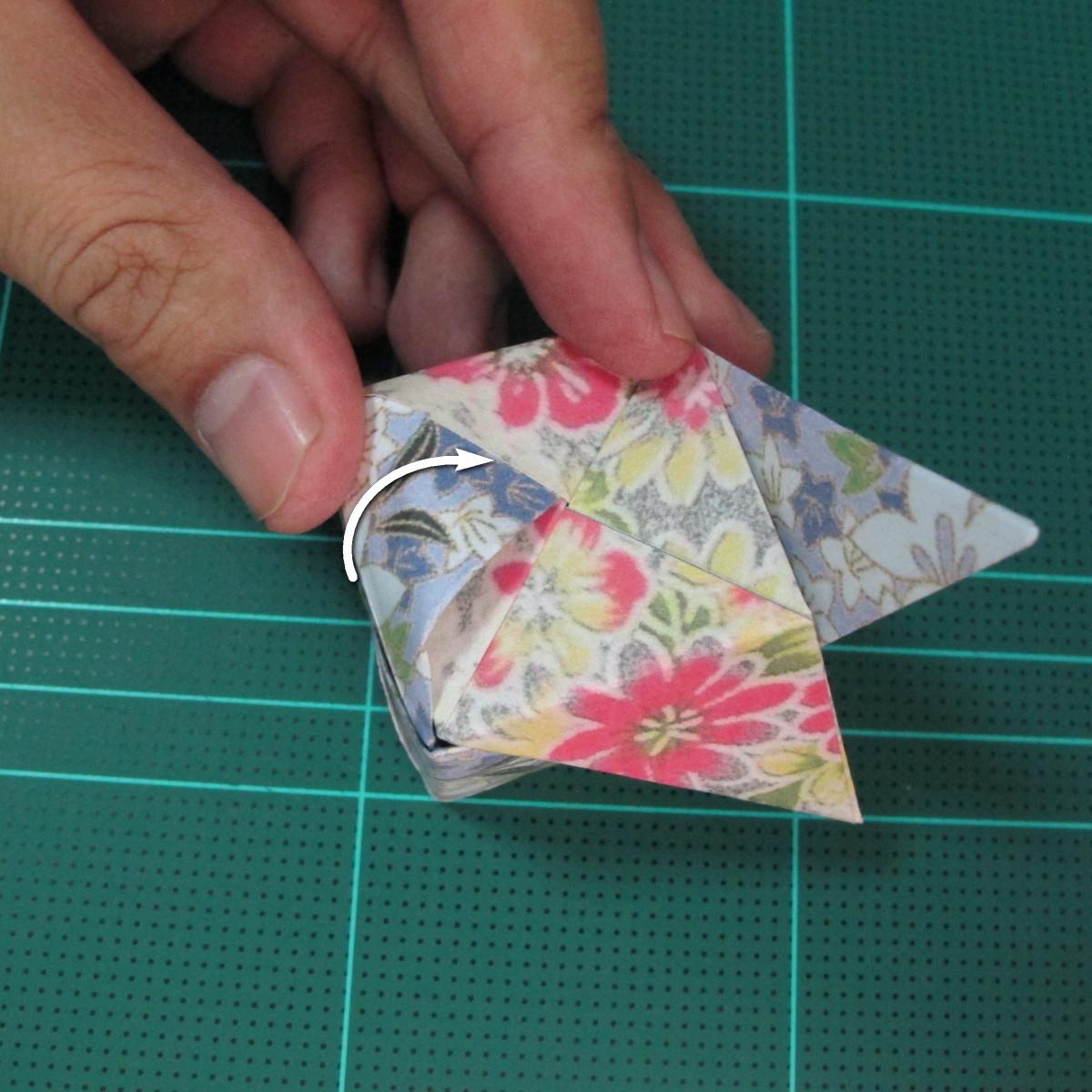 การพับกระดาษเป็นรูปเรขาคณิตทรงลูกบาศก์แบบแยกชิ้นประกอบ (Modular Origami Cube) 036