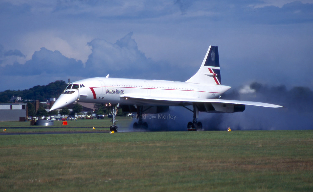 British Airways Concorde G-BOAB arrives at Farnborough International 94.